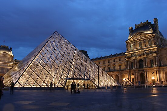 Pyramid du Louvre 2 by Elena Skvortsova