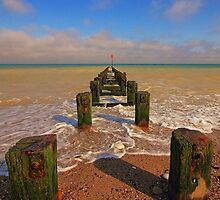 Groyne at the North Beach Bridlington by Paul Bettison
