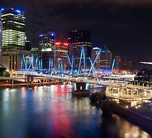 Kurilpa Bridge at Night by MichaelJP