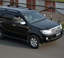 black colored toyota fortuner by bayu harsa