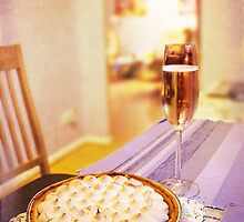 Meringue with Bubbles by Amar-Images