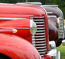 Buick lines, Canberra Centenary Car Show, 2013 by Martin Lomé