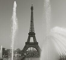 Eiffel tower by PhotoBilbo