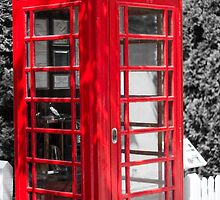 Red Telephone box by thecameraguys