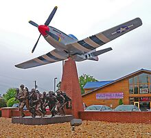 Memorial to the Fallen, Branson, Missouri, USA by Margaret  Hyde
