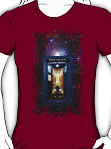 Space And Time traveller Box that More Bigger on the inside T-Shirt