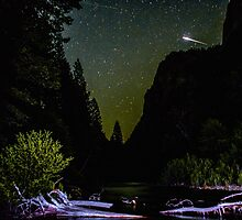 Meteor Shooting Over King's Canyon Stream by Gavin Heffernan
