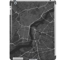 Philadelphia, USA Map. (White on black) iPad Case/Skin