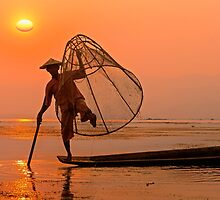 Cone Fishing on Inle Lake. by bulljup