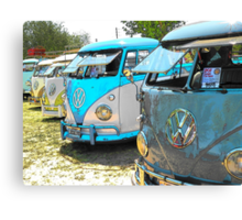 Surfs up and the VW-Bus Canvas Print
