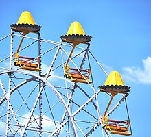 Yellow Ferris Wheel by JDWoW