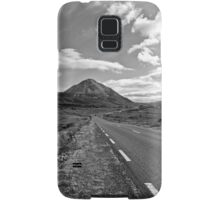 black and white road to the Errigal mountains Ireland Samsung Galaxy Case/Skin