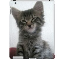 Mikino - A wink and a smile iPad Case/Skin