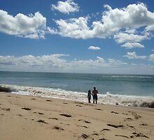 enjoying the surf by hankierat