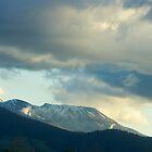 Mount Ruapehu at Sunset by hulkingrach