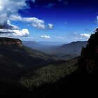 Blue Mountains National Pass - The Escarpment by Ian Mooney