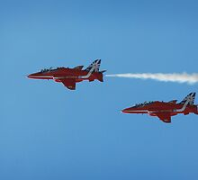 Red arrows flying in tandem  by miradorpictures
