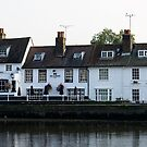 The Bulls Head  at Kew  by MarcW