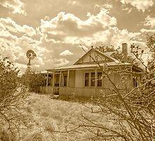 Old Farm House........ by mitpjenkeating