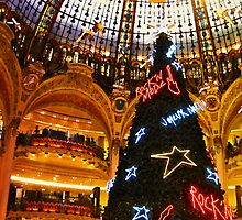 Merry Christmas at Galeries Lafayette by Ian Mooney