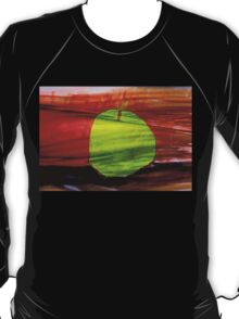 Green apple on red background T-Shirt