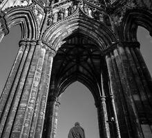The Scott Monument by Graeme  Ross