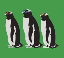 3 Penguins Leonard by movieshirt4you