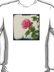 A single pink rose T-Shirt