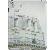 Letters From la vie à Paris iPad Case/Skin