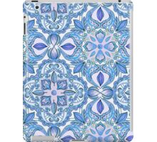 Cornflower Blue, Lilac & White Floral Pattern iPad Case/Skin