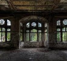abandoned grunge building by kittyholocaust