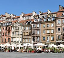 Old Town Market Square, Warsaw by Graeme  Hyde