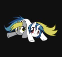 Derpy Hooves and Vinyl Scratch by Clara Hollins