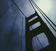 Daunting Golden Gate Silhouette  by keemche
