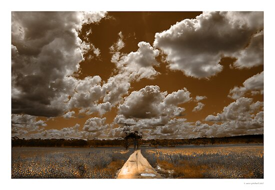 Leeton, NSW by Aaron .