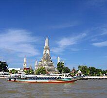 Wat Arun aka Temple Of Dawn by ibizo