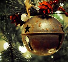 Ring, Christmas Bell by MarjorieB