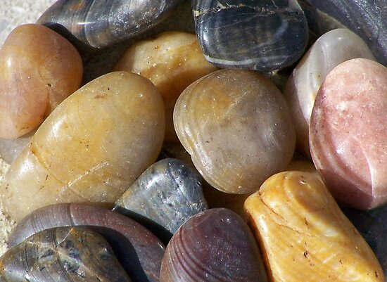 beach rocks by Geri Bragg