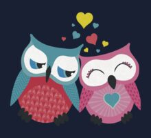 Cute owl couple with hearts Kids Clothes