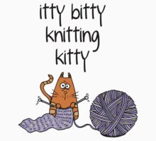 Itty bitty knitting kitty by Corrie Kuipers