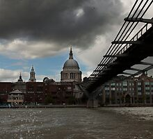 St Paul's From the river  by yampy