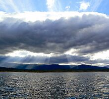 Lake Jindabyne by helmutk