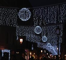 LUSTRINI,LUCINE ....BETWEEN SEQUINS AND LIGHTS ....PARMA - ITALY - EUROPA  -VETRINA RB EXPLORA 5 DICEMBRE 2012 - by Guendalyn