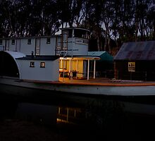 Paddleboat Dawn by nicksay