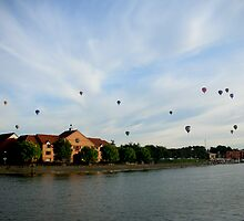 Bristol docklands. On the river part 2 of 3.... by tsums