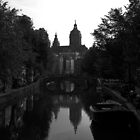 Amsterdam canals by Viv van der Holst