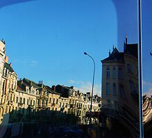 Brussels in the truck window by fabricedeloor