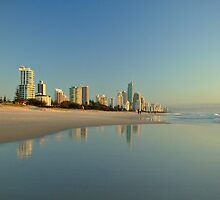 Surfers Paradise by autumnleaf