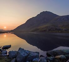 Tryfan at Dawn by Ian Mitchell