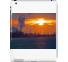 Sunrise over Phillips 66  Conoco refinery plant in Wood River  iPad Case/Skin